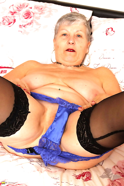 Horny british mature lady..