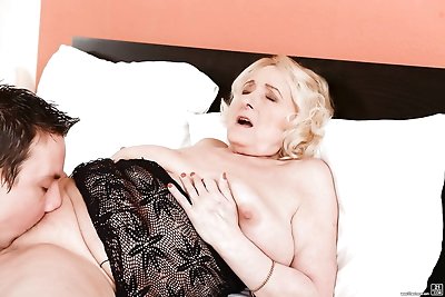 Blonde granny with big saggy..