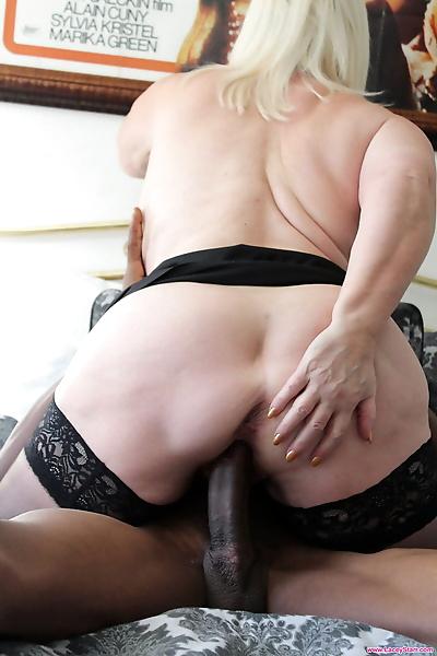 Horny nan Lacey Starr sucks..