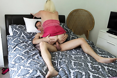 Blonde granny Lacey Starr..