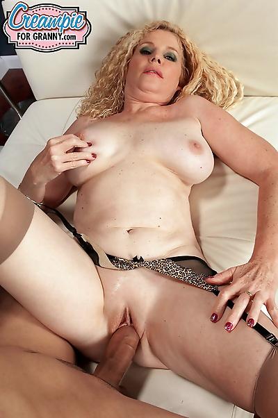 Hot Latina MILF in leopard..