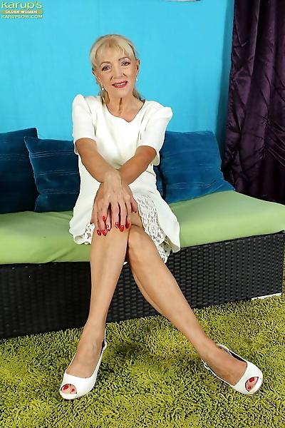 Blonde granny Janet Lesley..