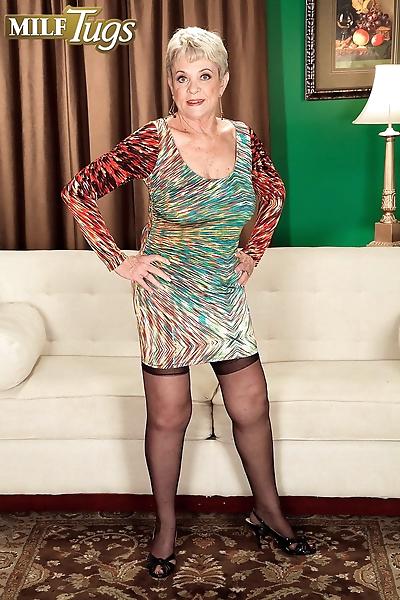 Horny nan Lin Boyde seduces..