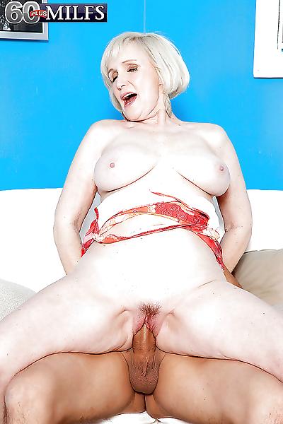Naughty granny Lola Lee..