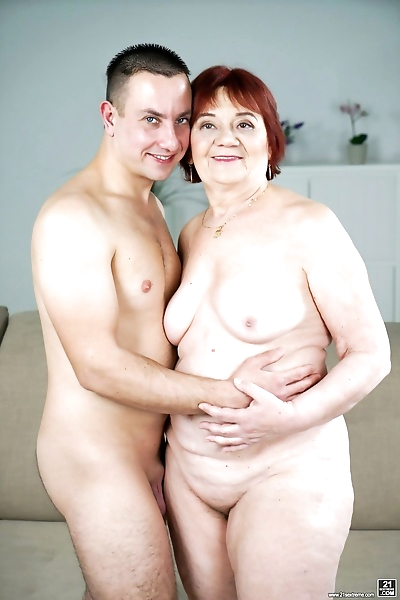 Redhead granny Marsha having..