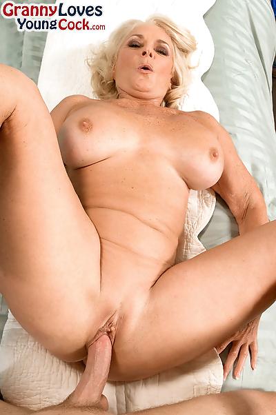 Hot cougar Georgette Parks..
