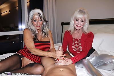 Big boobed older women jerk..