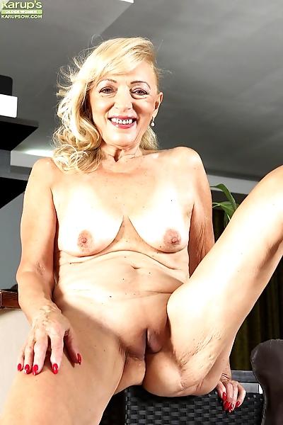 Horny granny Janet Lesley..