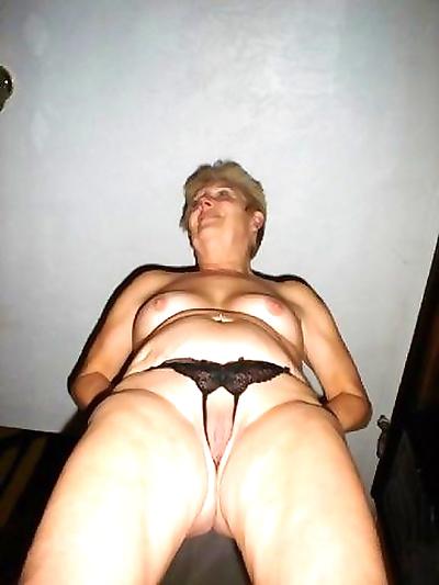 Hot nude granny - part 1939