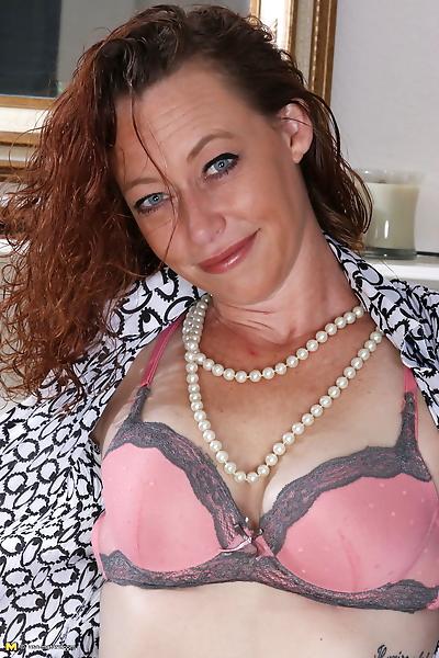 Naughty american housewife..