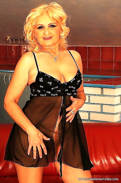 Hot blonde granny using sex..