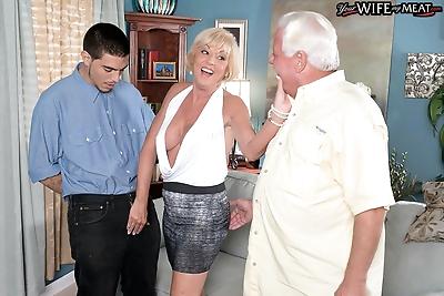 65yearold wife cuckolding..