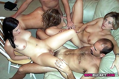 Amateur moms in homemade sex..