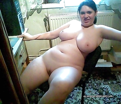 Kinky bbws posing sleazy for..