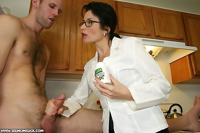 Sexy mom Tatiana gets her..