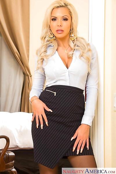 German solo model Nina Elle..