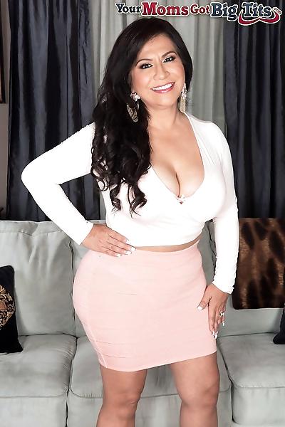 Mature Mexican lady Victoria..