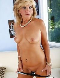 Mature bitch Crystal Jewels fingering her sexy stepdaughter Kimmy Olsens twat