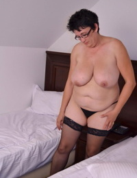 Wont you come and play with my mature wet pussy - part 2884