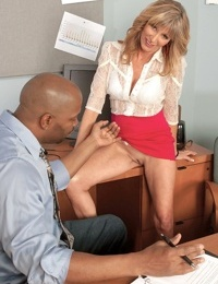 Experienced secretary knows how to dress to seduce her black boss at work