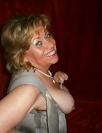 Chubby mature granny Caro in green stockings flashes lace panty cameltoe